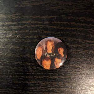 Accept – Vintage Button Pin Pins & Enamel Pins
